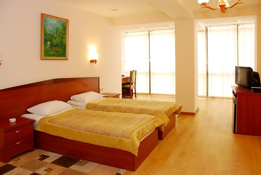 هتل گنجعلی باکو (4 ستاره)